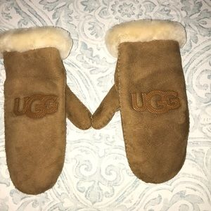 Brand new UGG mittens never worn from Nordstrom's